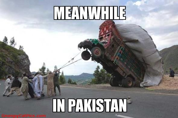 Meanwhile in Pakistan Car MEme