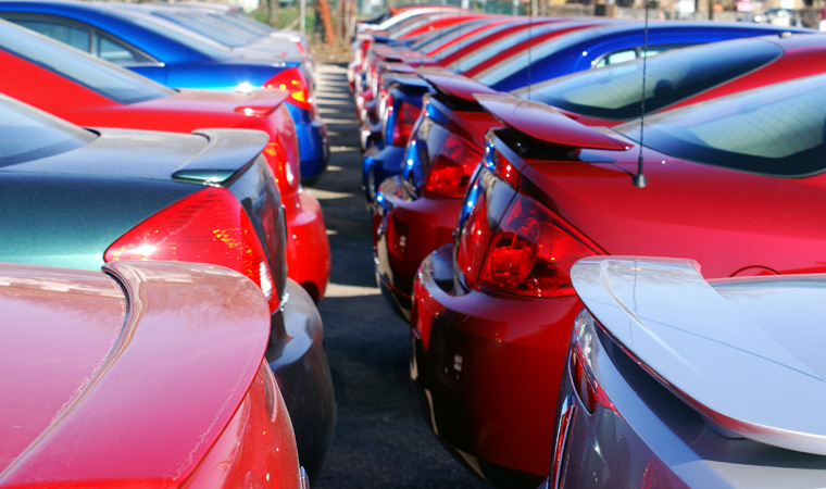 Rows of used cars at Applewood Credit in Langley BC